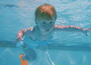 Stella Underwater